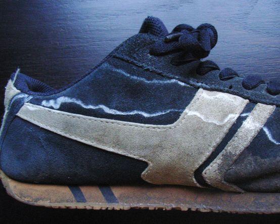Чистящее средство для замшевой обуви Salton в виде пены